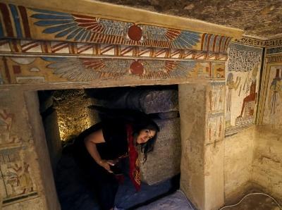 埃及發現托勒密王朝古墓 保存完好裝飾精美