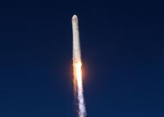 """美""""天鹅座""""货运飞船升空前往国际空间站"""