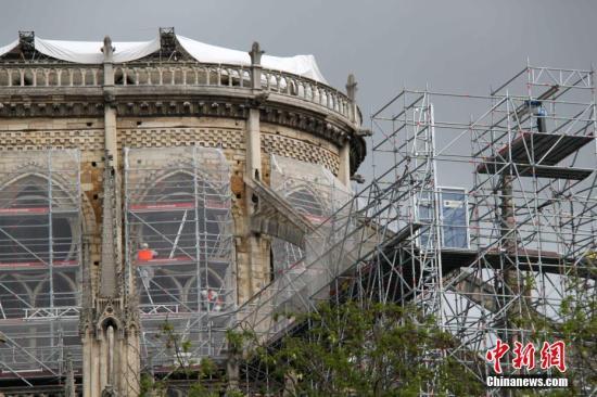 巴黎圣母院大火敲响警钟 比利时教堂存消防隐患