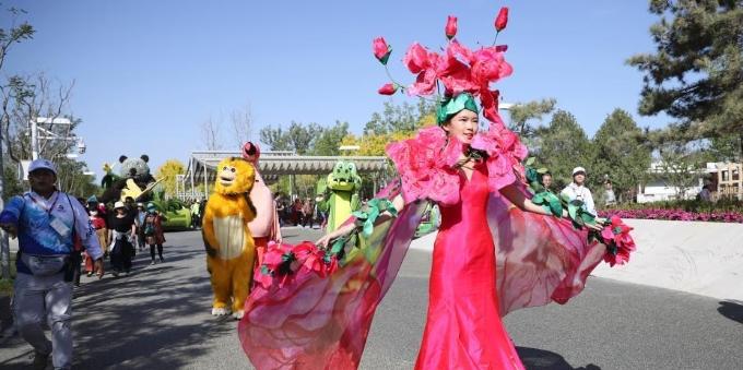 北京世园会满园美景 人流如织