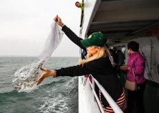 秦皇岛:25万尾褐马鲆鱼苗投放国家级水产种质资源保护区