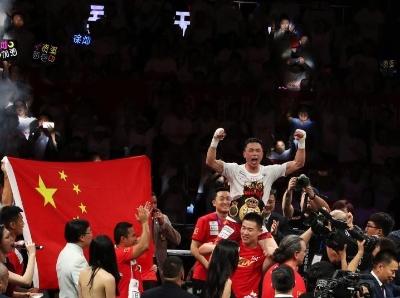 中国拳手徐灿TKO日本拳手 成功卫冕世界拳王金腰带