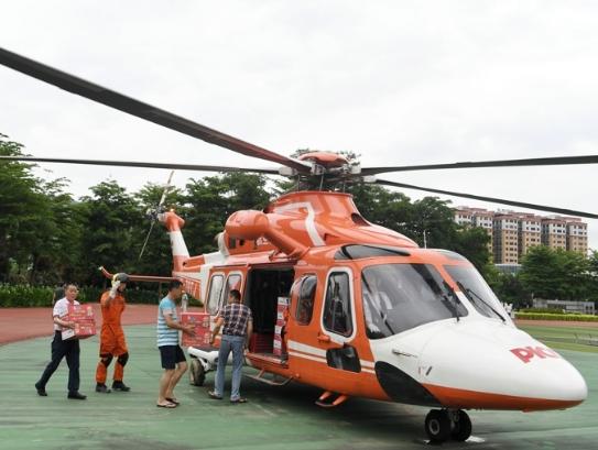直击直升机救援河源连平山洪