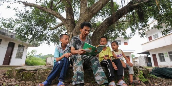 广西防城港:一个山村教师的坚守