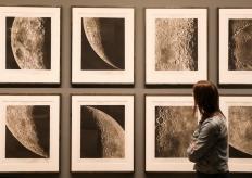 纽约大都会博物馆举行月亮摄影特展