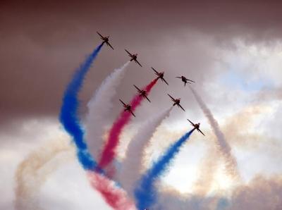 英国皇家国际航空展即将举行 飞行彩排场面震撼
