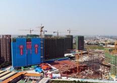 南沙万顷沙安置区一期12栋住宅全面封顶!预计明年8月基本建成