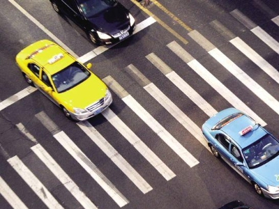 廣州頒布出租車新規:上下班高峰不能交班