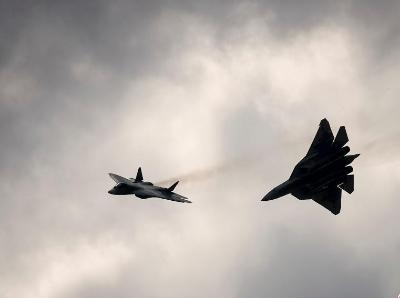 莫斯科航展开幕 俄隐身战机苏-57亮相