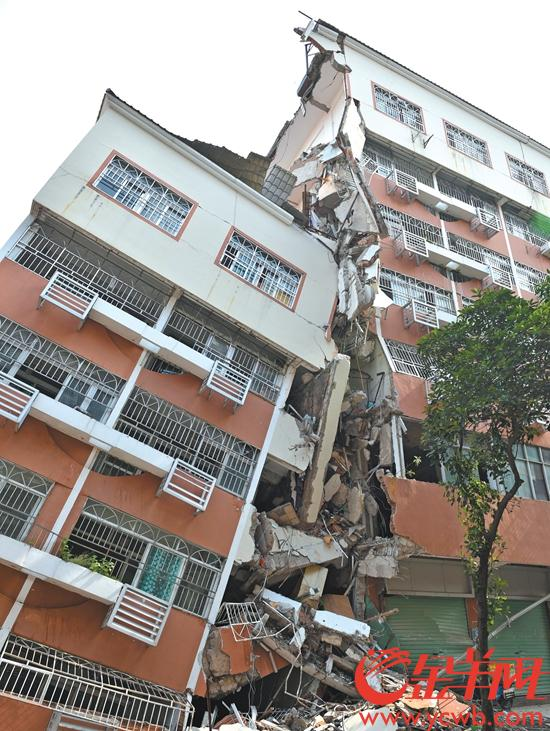 深圳一公寓楼坍塌或因桩基脆性破坏 楼塌了房价却要涨?