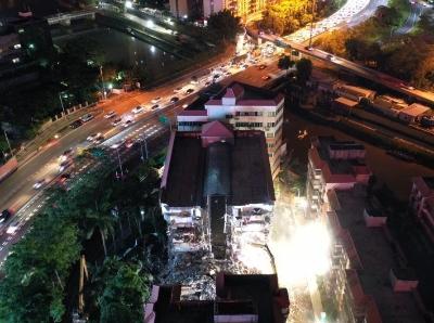 深圳组织专业力量对沉降倾斜建筑进行拆除
