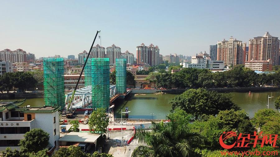 四个桥塔完成至18米标高-摄于2019年6月15日