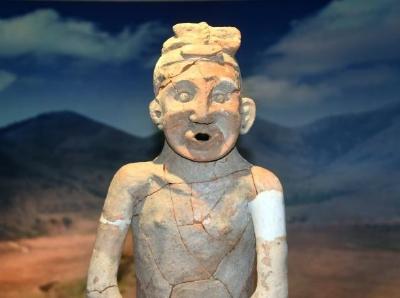红山遗址出土5300年前敖汉陶人