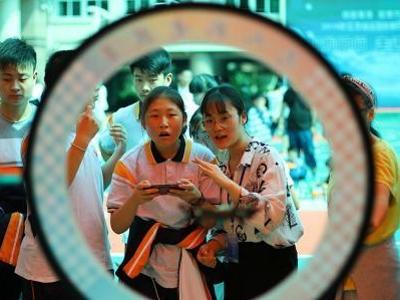 愛心科普走進南京聾人學校傳播科學
