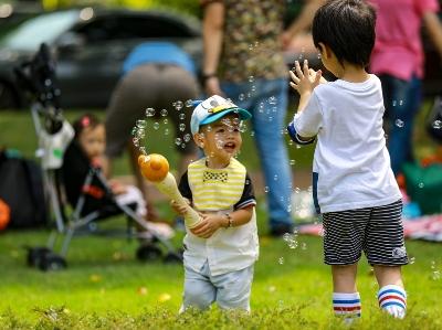 廣州市民在二沙島享受國慶假期