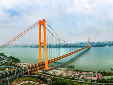 世界上跨度最大的双层悬索桥武汉杨泗港长江大桥正式通车