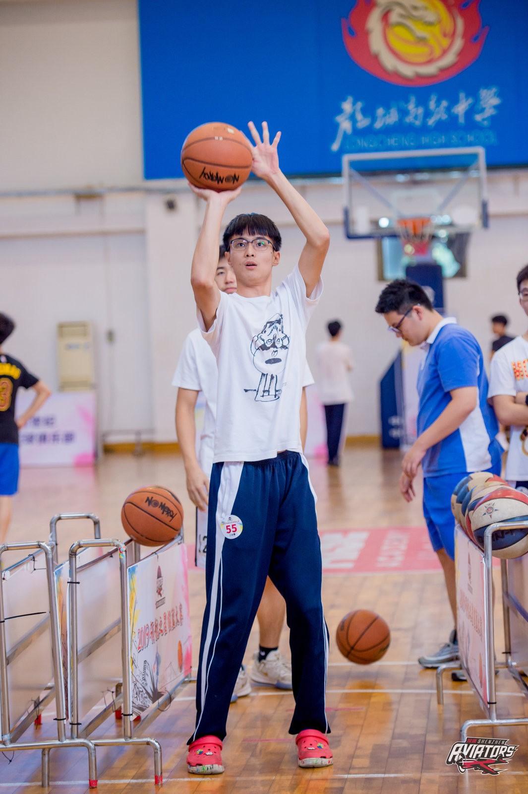 """2019""""领航之星""""投篮大赛学校站第六场掀起篮球热"""