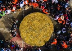 巴拿马土著社区制作世界最大香蕉饼 获吉尼斯纪录