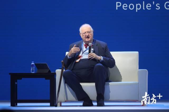 诺奖得主安格斯·迪顿:中国让世界上大部分人脱贫,这是前所未有的
