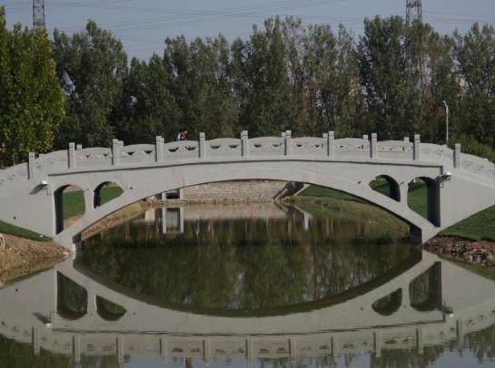 """3D打印版""""赵州桥""""亮相天津 桥长28.10米仅供步行"""