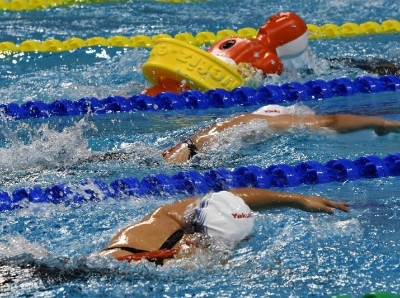 武汉军运会 中国队获男子4x50米混合救生接力赛冠军