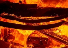 """加州山火蔓延 美國家氣象局發""""極端危險信號"""""""