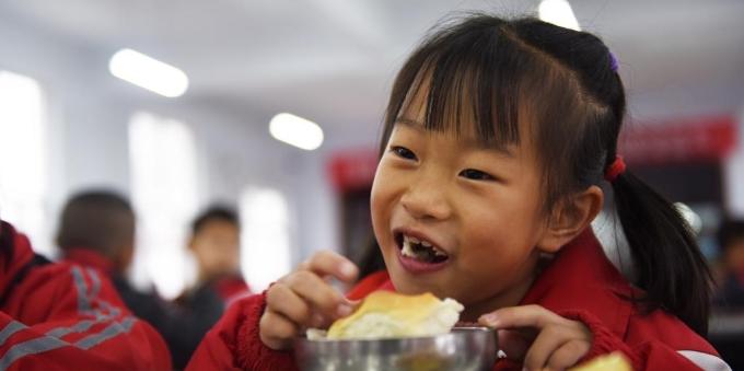 """河北张家口:""""升级版""""营养餐营养更丰富"""