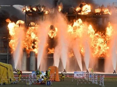 國家綜合性消防救援隊伍比武競賽暨滅火救援實戰演習舉行