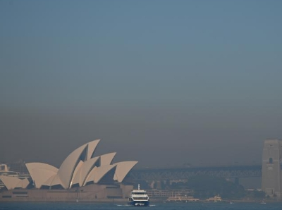 澳大利亞新州林火持續 悉尼城市上空煙霧籠罩
