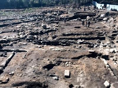 湖南岳阳发现宋元、明两个阶段的寺庙遗址