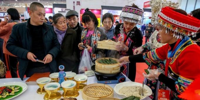 楚菜名品亮相武汉食博会