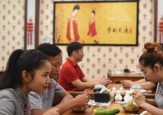 一个华人饭店的柬埔寨故事