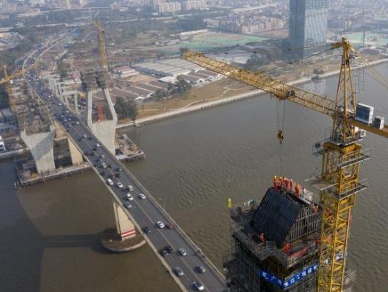 独家空中直击!洛溪大桥扩建后首次封顶