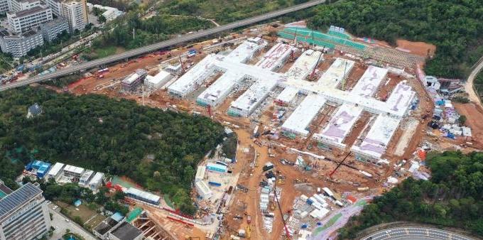 深圳市第三人民医院二期工程应急院区紧张建设中