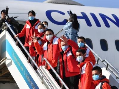 云南省第六批援助湖北医疗队出发