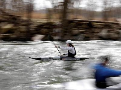 东京奥运会宣布推迟举办 美国皮划艇运动员开始训练