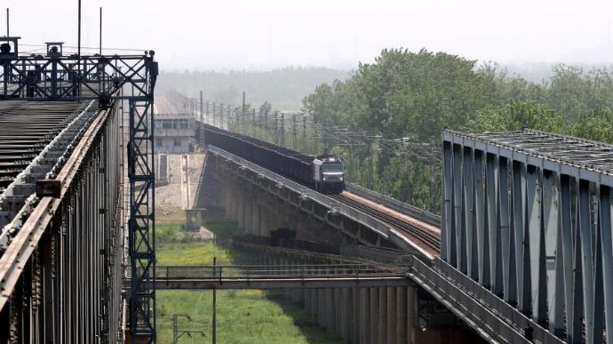 """长东黄河大桥上的""""安全卫士"""""""