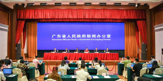 广东省政府新闻办5月13日举行疫情防控新闻发布会