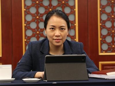 """被最高法工作报告点名表扬的广东团代表,她的独家""""代表课堂""""在这里"""