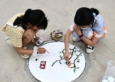 """浙江仙居:校园""""井""""上添花 描绘""""二十四节气"""""""
