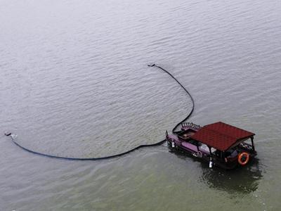 杭州:新能源漂浮物智能清理船上岗
