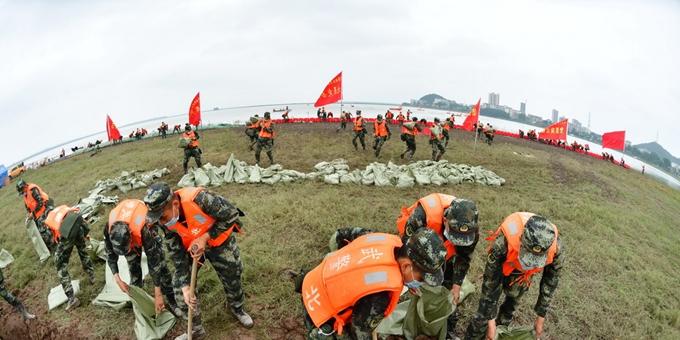 湖北省组织防汛抢险综合演练