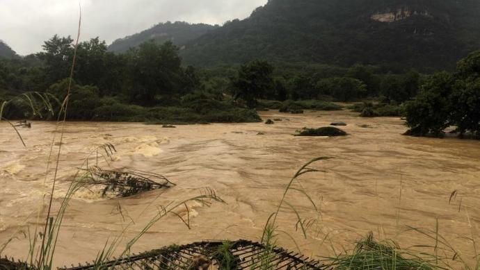 暴雨致福建武夷山景區受淹關閉