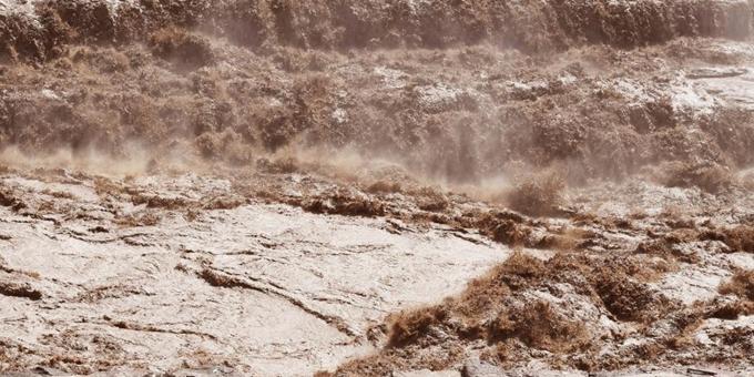 黄河壶口瀑布形成瀑布群 波涛汹涌气势磅礴