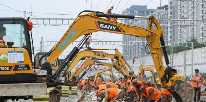"""京沪线、京广线""""入驻""""新建北京丰台站"""