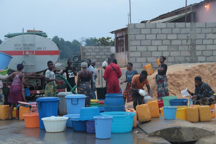 """""""再也不用凌晨四点出发去打水""""——这些安哥拉人为中国项目欢呼"""