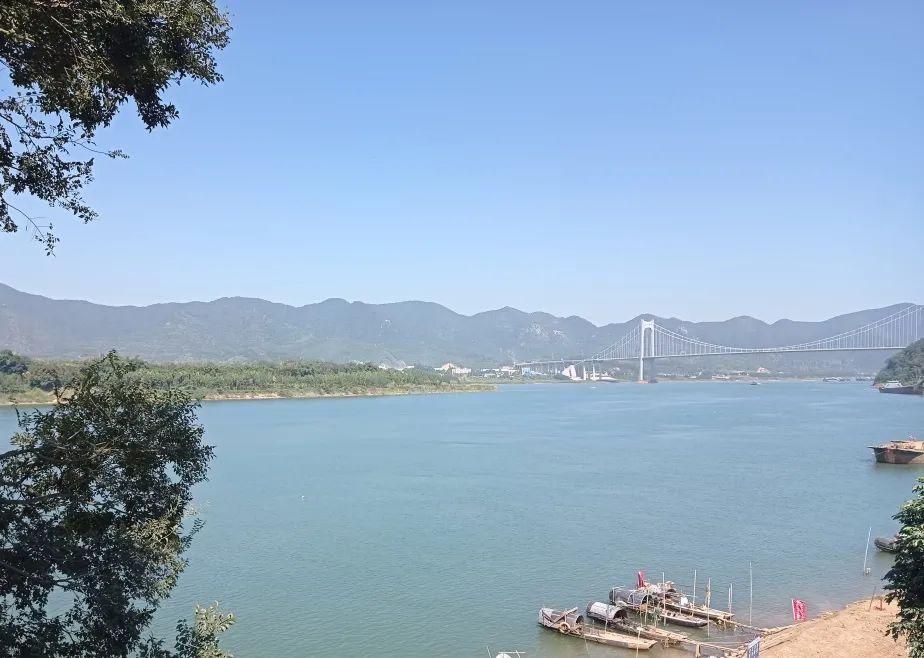 西江边上,那些传奇……