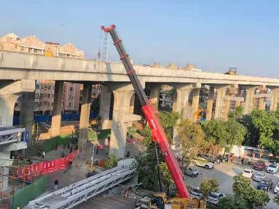 洛溪大桥拓宽工程人行坡道桥桁架发生脱落