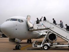 禁飞20个月后 波音737MAX飞机首次载客复飞