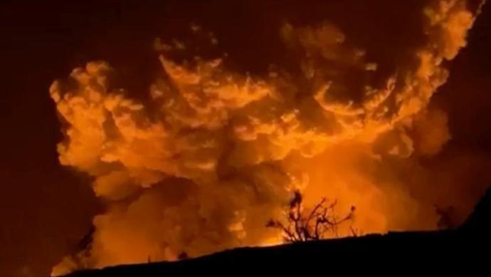 美国夏威夷基拉韦厄火山喷发